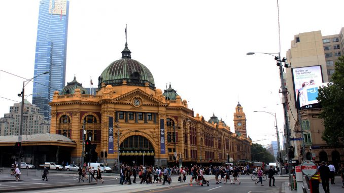What to do near flinders street melbourne