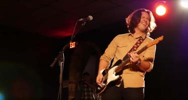 Q & A: Blues musician Davy Knowles